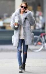 С чем носить пальто серый цвет кожи? Стильные решения для холодов